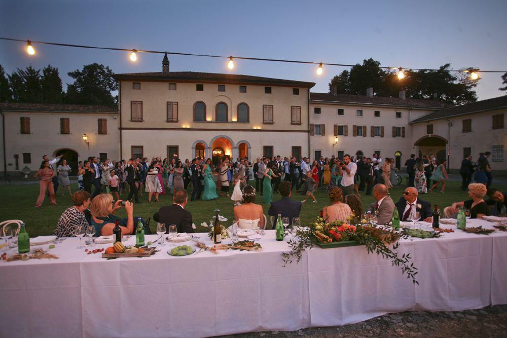 cena all aperto estate matrimonio all aperto in cascina