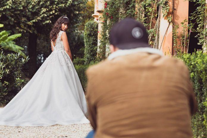 scatto fotografico - location per shooting wedding moda sposae milano lombardia cascina farisengo